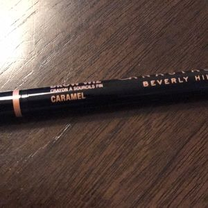 Anastasia Beverly Hills Makeup - New Anastasia brow wiz in Caramel!